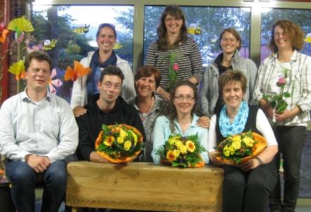 Mitglieder des Fördervereins: Vorne von links: Herr Griep-Raming (Kassenwart); Herr Duchstein (2. Vorsitzender); Frau Harjes (Beisitzerin); Frau Glaser (1. Vorsitzende); Frau Hummelbeck (Schriftwartin); Hinten von links: Frau Brauner (Beisitzerin); Frau Voth (ausscheidende 2. Vorsitzende); Frau Schnier (Kassenprüferin); Frau Labuda (ausscheidende Kassenprüferin)